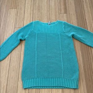 Beautiful green old navy maternity sweater